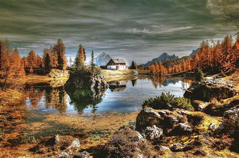 Italy In Autumn 5 Amazing Places To Visit The Crowded