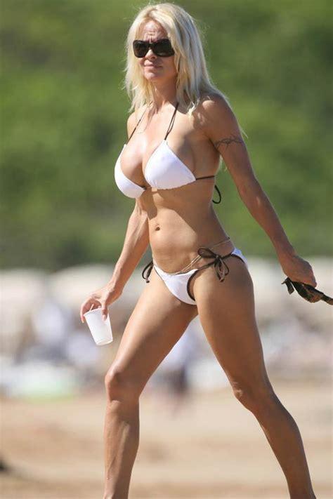 Pamela Anderson 2020: dating, net worth, tattoos, smoking ...