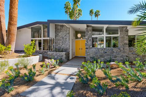 A Mid Century Desert Oasis In Palm Springs by A Mid Century Desert Oasis In Palm Springs Interior Design