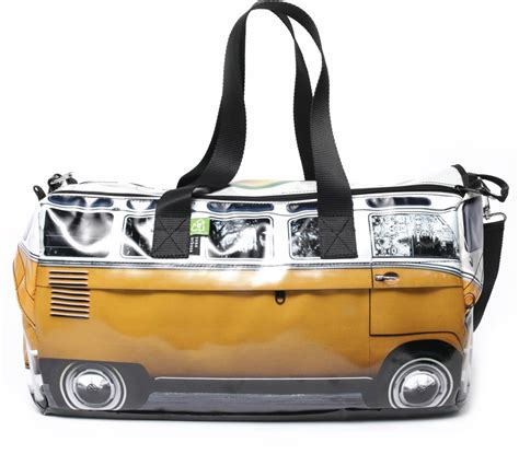 I left my 70 hour corporate job to open my specialty coffee truck and want to inspire people to do the same! Lavazza Coffee & French Newspaper Recycled Bag • Zona Urbana