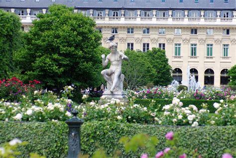 Palaisroyal Garden, Paris  French Moments