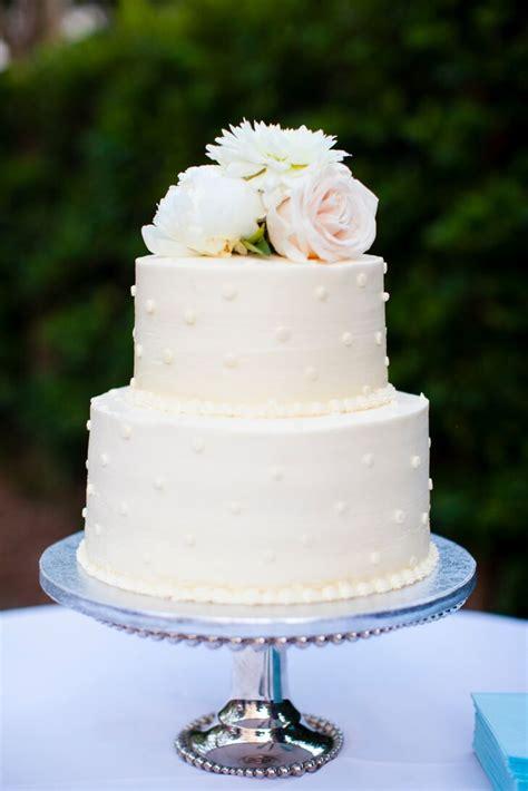 tier polka dot buttercream wedding cake
