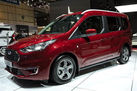 File:Ford Tourneo Connect Genf 2018.jpg - Wikimedia Commons