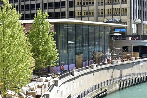 Store Chicago by Apple Store Chicago Si Prepara Per Iphone 8 Le Foto Live