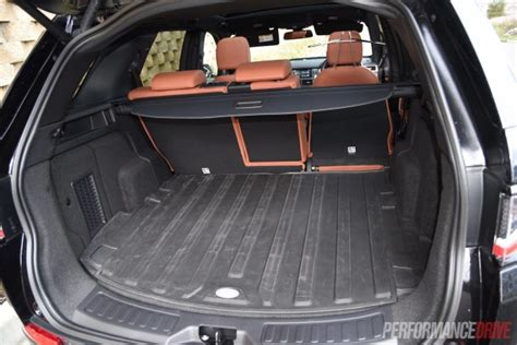 land rover discovery sport hse cargo space