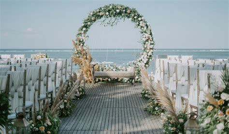 10 Amazing Zoom Wedding Backgrounds for your Virtual