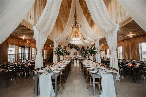 Balloons Go Chic in this Glam Barn Reception Green