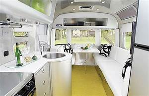 Equipement Interieur Mobil Home : tesla model h announced a plug in hybrid mobile home that is both cozy and luxurious home ~ Melissatoandfro.com Idées de Décoration