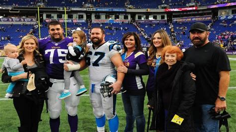 Nfl Brothers Matt And Ryan Kalil Team Up For First Time With Carolina Panthers The State