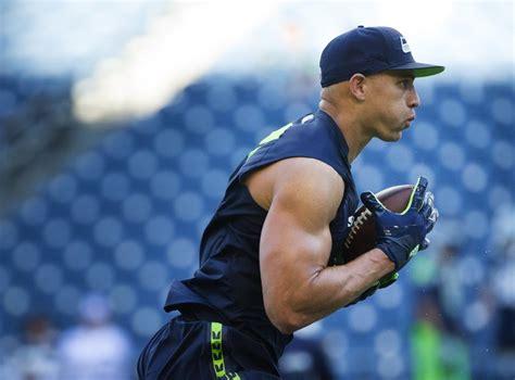 seahawks list jimmy graham  starting tight    injury designation list christine