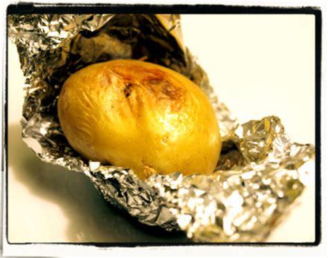 pomme de terre en robe des chs au four 171 cookismo