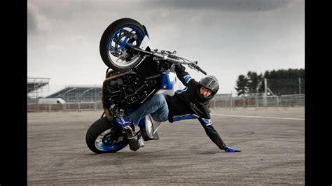 Awesome Motorbike Stunts Riding