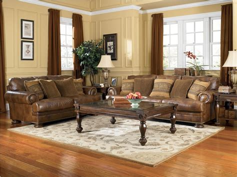 Tips In Choosing Living Room Furniture Set