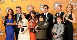 modern family cast sues contract ny daily news
