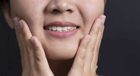 6 Surprising Reasons Why Your Face Could Be Swollen Read