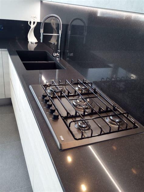 piano cottura 5 fuochi piano cottura 5 fuochi cucina moderna cucinemoderne