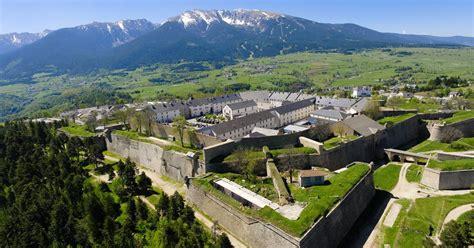 lac des chambres citadelle de mont louis classée au partimoine de l 39 unesco