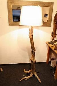 Stehlampe Aus Treibholz : treibholz stehlampe mit schirm tisch und wandlampen ~ Markanthonyermac.com Haus und Dekorationen