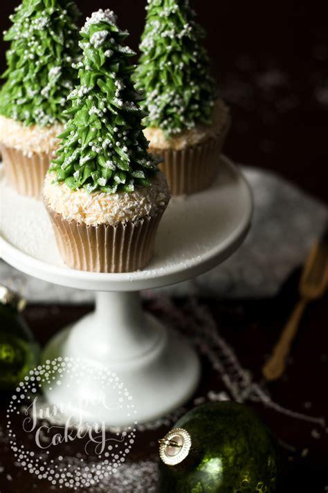 rustic christmas tree cupcake tutorial  craftsy