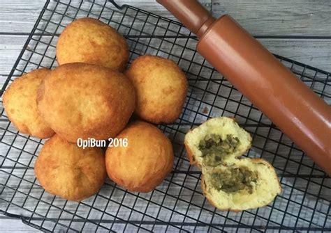 Pisang ijo atau es pisang ijo adalah sejenis makanan khas di sulawesi selatan, terutama di kota makassar. Resep Untuk-untuk (Roti Goreng) Kacang Hijau oleh OpiBun - Cookpad