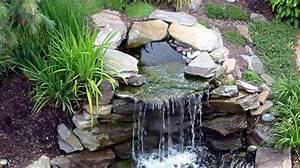 construire un petit bassin de jardin avec cascade bassin With plan de petite maison 10 installer une fontaine en pierre dans son jardin
