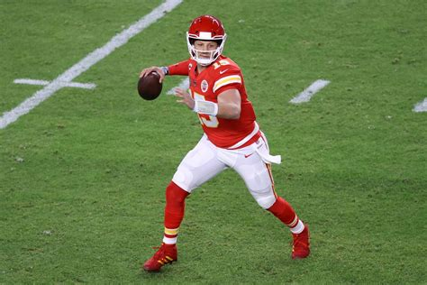 Patrick Mahomes, Chiefs agree to 12-year deal - New York ...