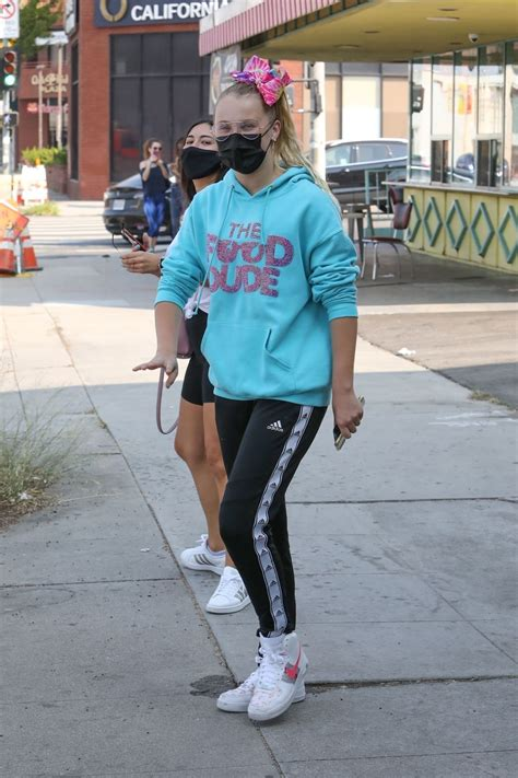 Jojo Siwa Out For Iced Coffee In Los Angeles 09262020