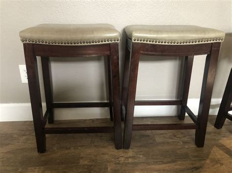 Iced non fat miel is awesome! Bar stools 24 inch for Sale in Peoria, AZ - OfferUp