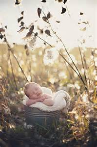 Outdoor Newborn Photography Ideas
