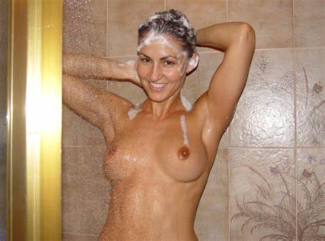 Never Found Her Gorgeous Classy Sister Washing Her Hair Porn Photo