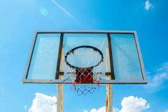 panneau de basket exterieur cercle de basket ext 233 rieur avec le r 233 seau et le panneau arri 232 re image stock image du