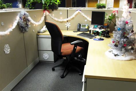 100 office cubicle christmas decorating ideas my