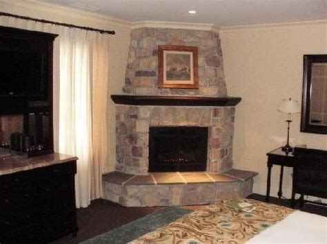 gas fireplace river rocks corner fireplace pictures and ideas