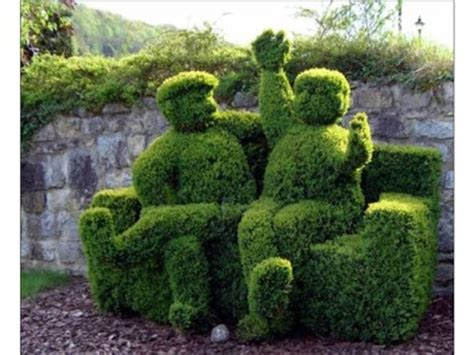 Topiary Garden  40 Pics  Curious, Funny Photos Pictures