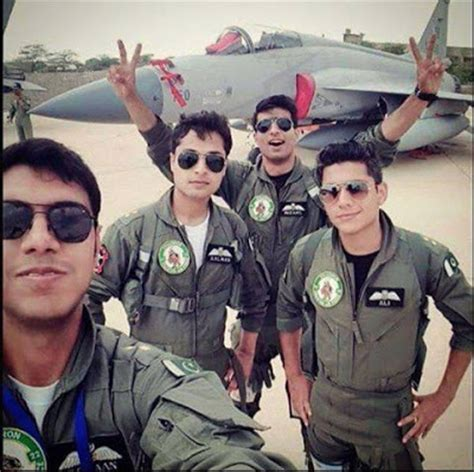 pakistan air force paf young pilots pictures  uniform
