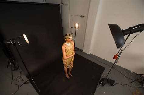 3 point lighting photography create a golden glow effect in the studio with this 3