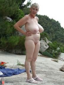 thick boobed granny zb porn