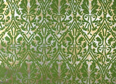 Vintage Flocked Wallpaper  Green And Gold Damask