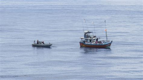 Fishing Boat Explosion San Diego by Uss Anchorage Rescues Fishermen Stranded In The Indian