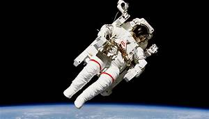Flying Spaces Preise : untethered humanity 39 s first free flying astronaut bruce mccandless passes away aged 80 ~ Markanthonyermac.com Haus und Dekorationen