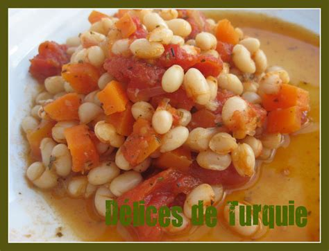 cuisiner haricot blanc haricots secs à la sauce tomate etsiz kuru fasulye