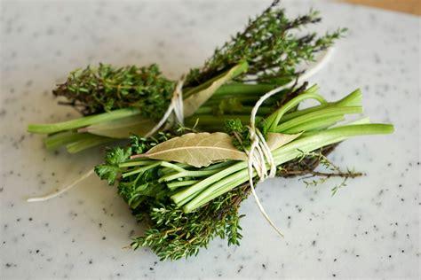 bouquet garni cuisine bouquet garni définition de bouquet garni lexique du