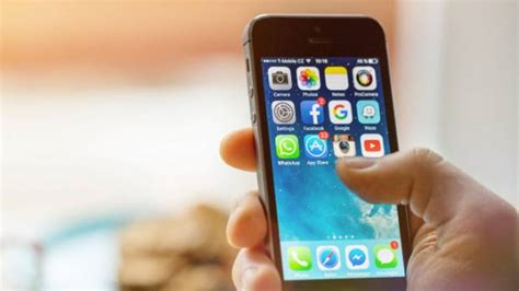apple apologises  iphone battery issues offers