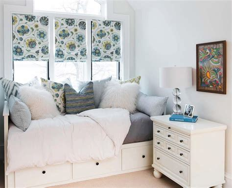 Beautiful Small Bedroom Bed Ideas  Home Interior Design