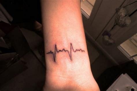 tiny tattoos   everyday amusement viral tattoo