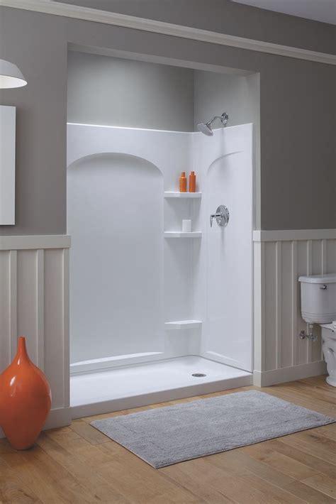 Fiberglass Shower Units by Best 25 Fiberglass Shower Enclosures Ideas On