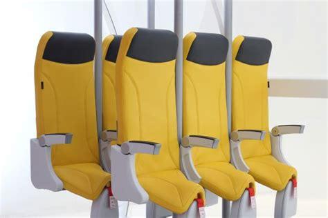 siege avion occasion de nouveaux sièges d 39 avion pour voyager debout easyvoyage