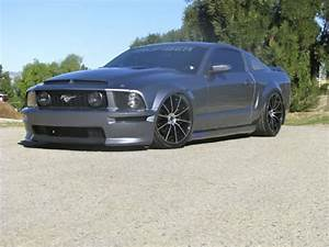 Photos | 2006 Ford S197 [Mustang] GT For Sale