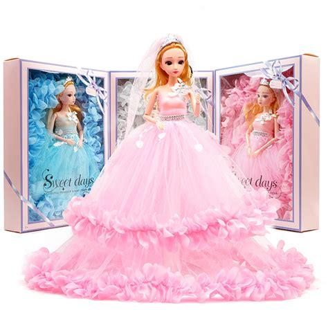 Estás jugando a vestir barbie. Juegos Viejos De Vestir A Barbie - Juegos De Vestir A ...