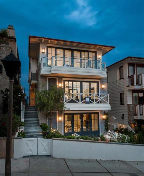 Manhattan Beach Walkstreet Cape Modern Home With